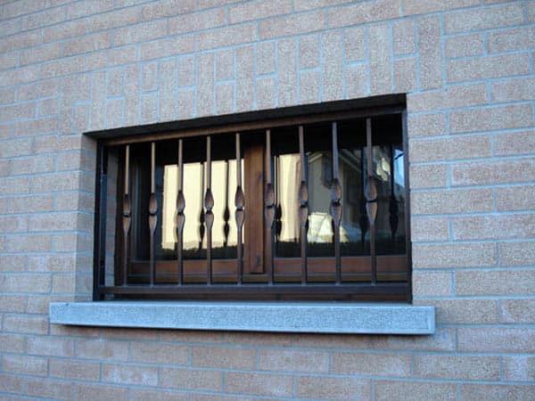 Inferriate di sicurezza modena vendita installazione - Grate alle finestre ...