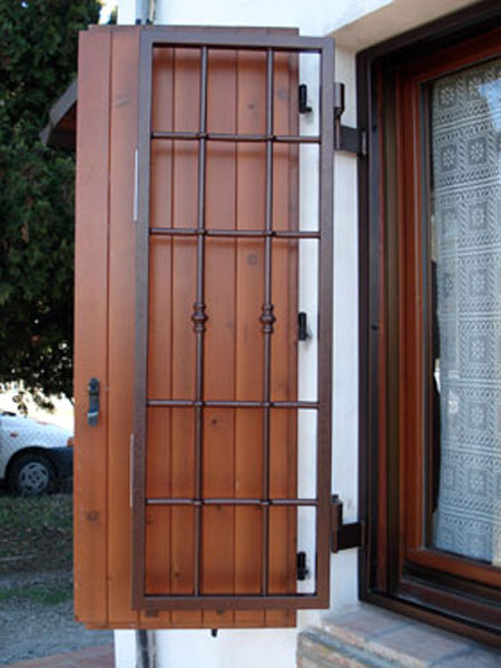 Inferriate di sicurezza reggio emilia vendita - Grate per finestre a scomparsa ...